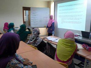 Menyampaikan modul latihan juga membolehkan kita belajar banyak perkara daripada peserta.